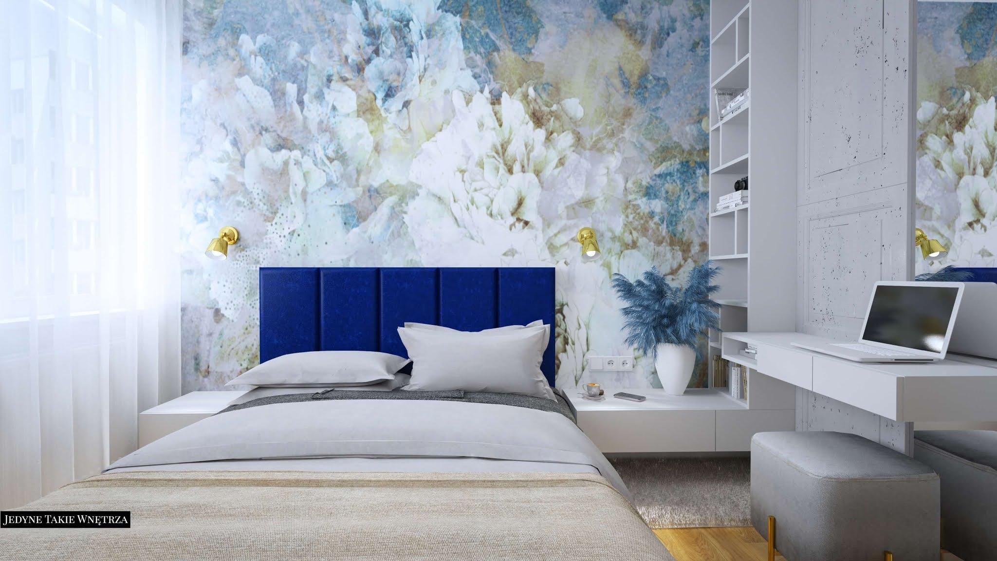 Sypialnia z wzorzystą tapetą