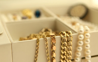 tricks-to-pack-jewellery-while-travelling