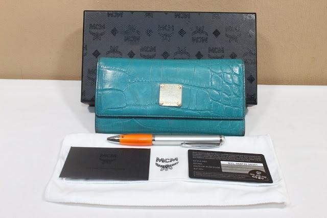 jual tas second bekas original asli sling selempang louis vuitton sneaker  boots sepatu lv tumi koper 42248b40f1