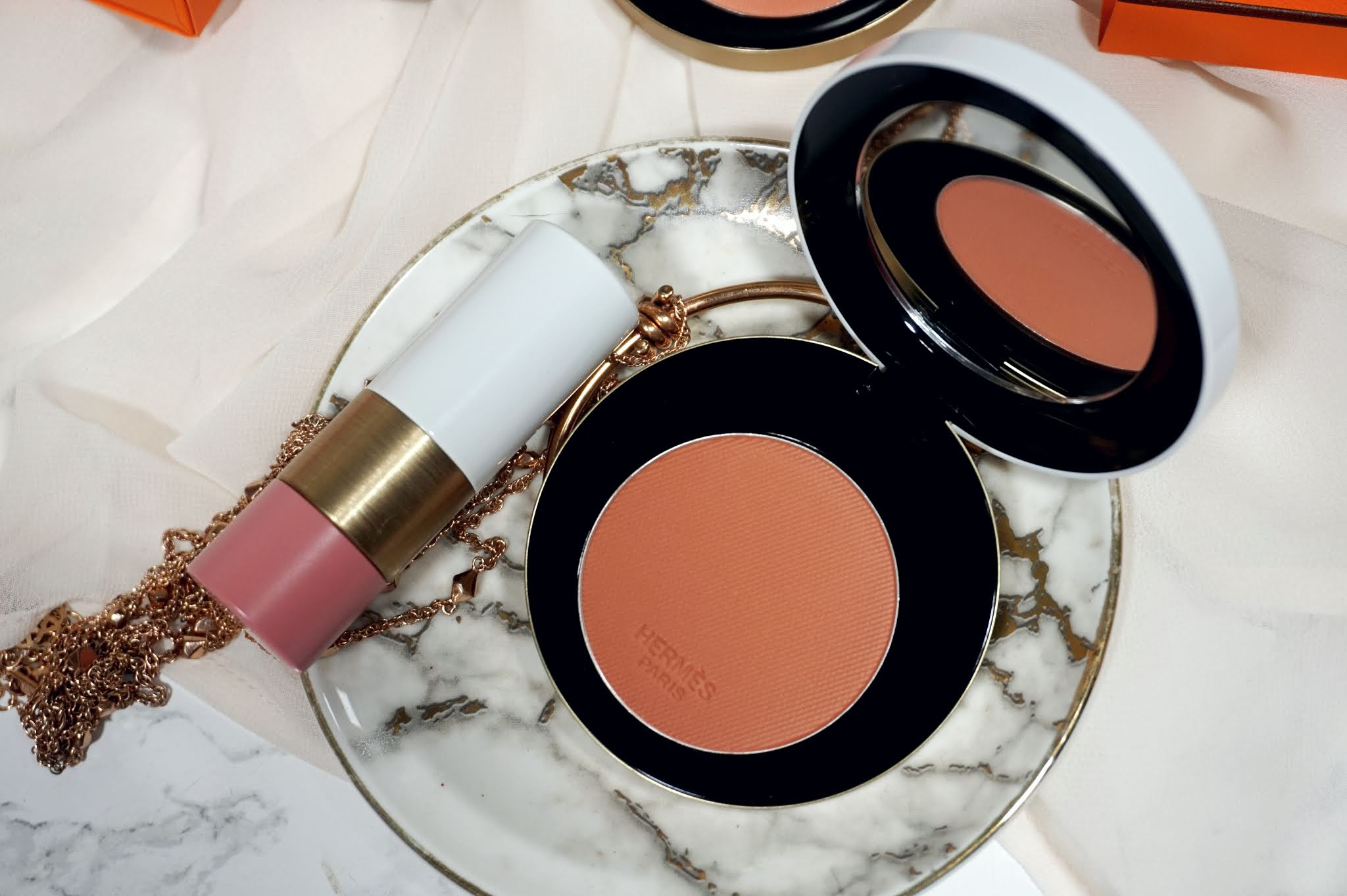 Hermès Rose Hermès - Silky Blush Powder Review and Swatches