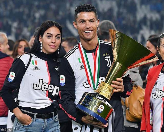 Cầu thủ hay nhất UEFA 2019: Siêu hậu vệ Van Dijk đấu 2 siêu nhân Ronaldo - Messi 4