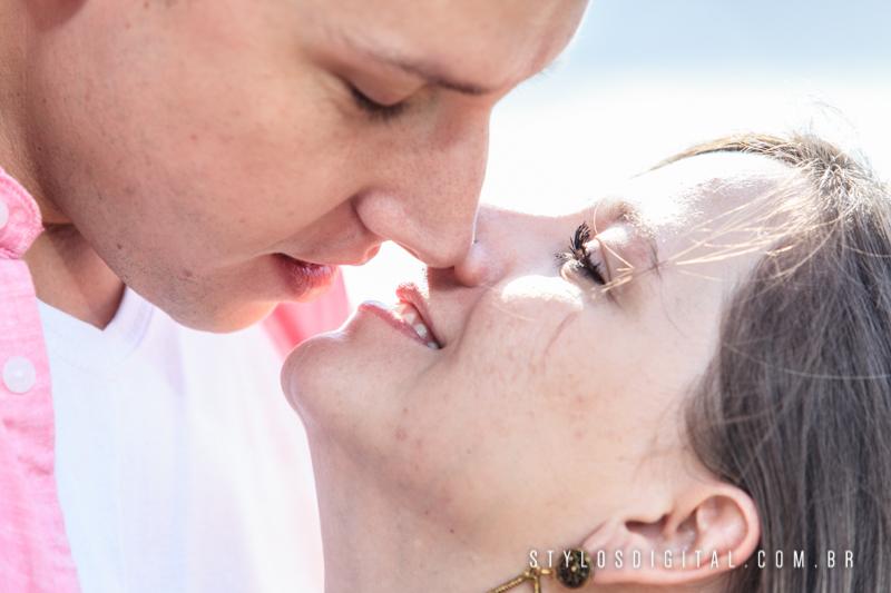 casal na praia ensaio