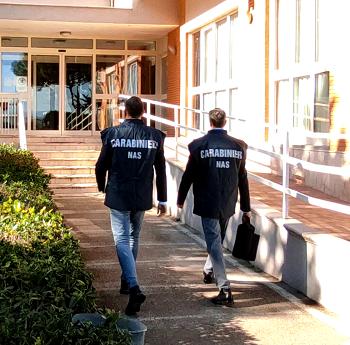 Carabinieri NAS Firenze: arrestato un medico, svolgeva attività di libero professionista mentre era in servizio