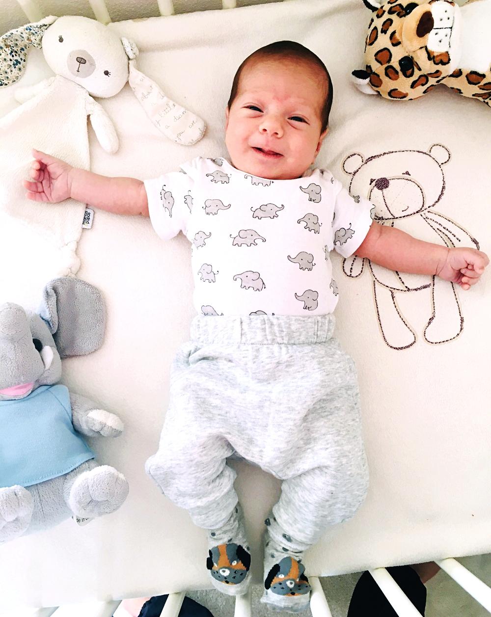 H&M Kids odeca za bebe i decu, beba decko model, odeca za decake bebe
