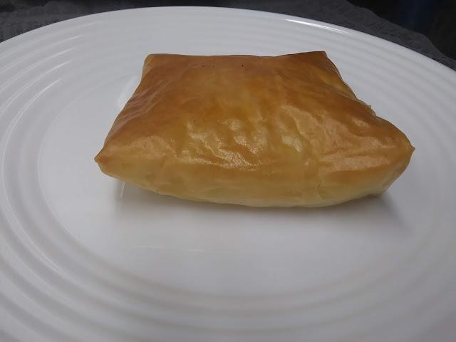 Cuadrados De Pasta Filo Con Pollo Y Queso