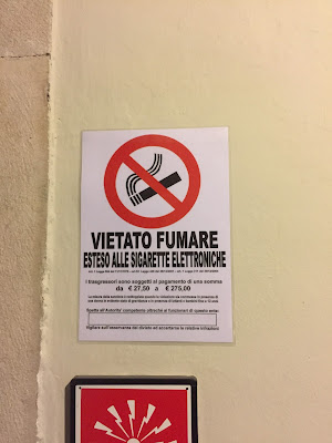 Bergamo sign: Vietato fumare.