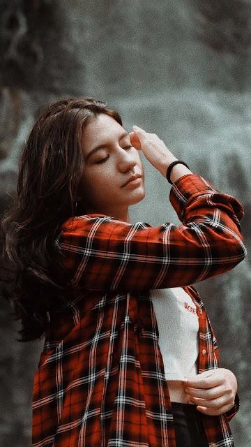 22 Beautiful Girl Aesthetic Images Wallpaper HD 5K for iPhone and Android | Koleksi Gambar Foto Wanita Cantik