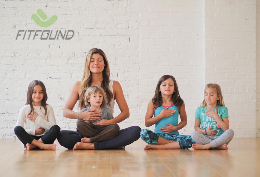 cach-day-yoga-cho-tre-em