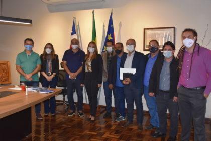 Na tarde desta terça-feira (6), a prefeita Ana Sheila Lemos Andrade, do Democratas, recebeu no Gabinete Civil