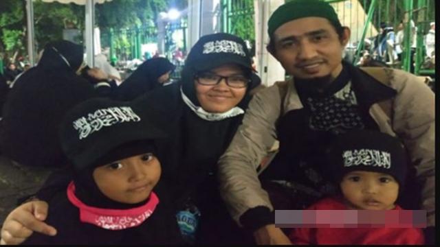 Satu Keluarga dari Kepulauan Kei Arungi Laut Lima Hari untuk Hadiri Reuni 212 di Monas