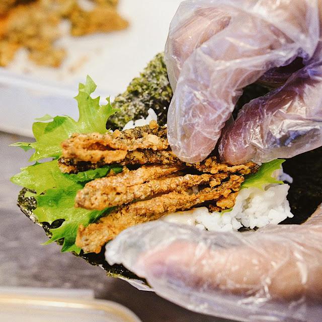 Crispy Fish Skin Temaki