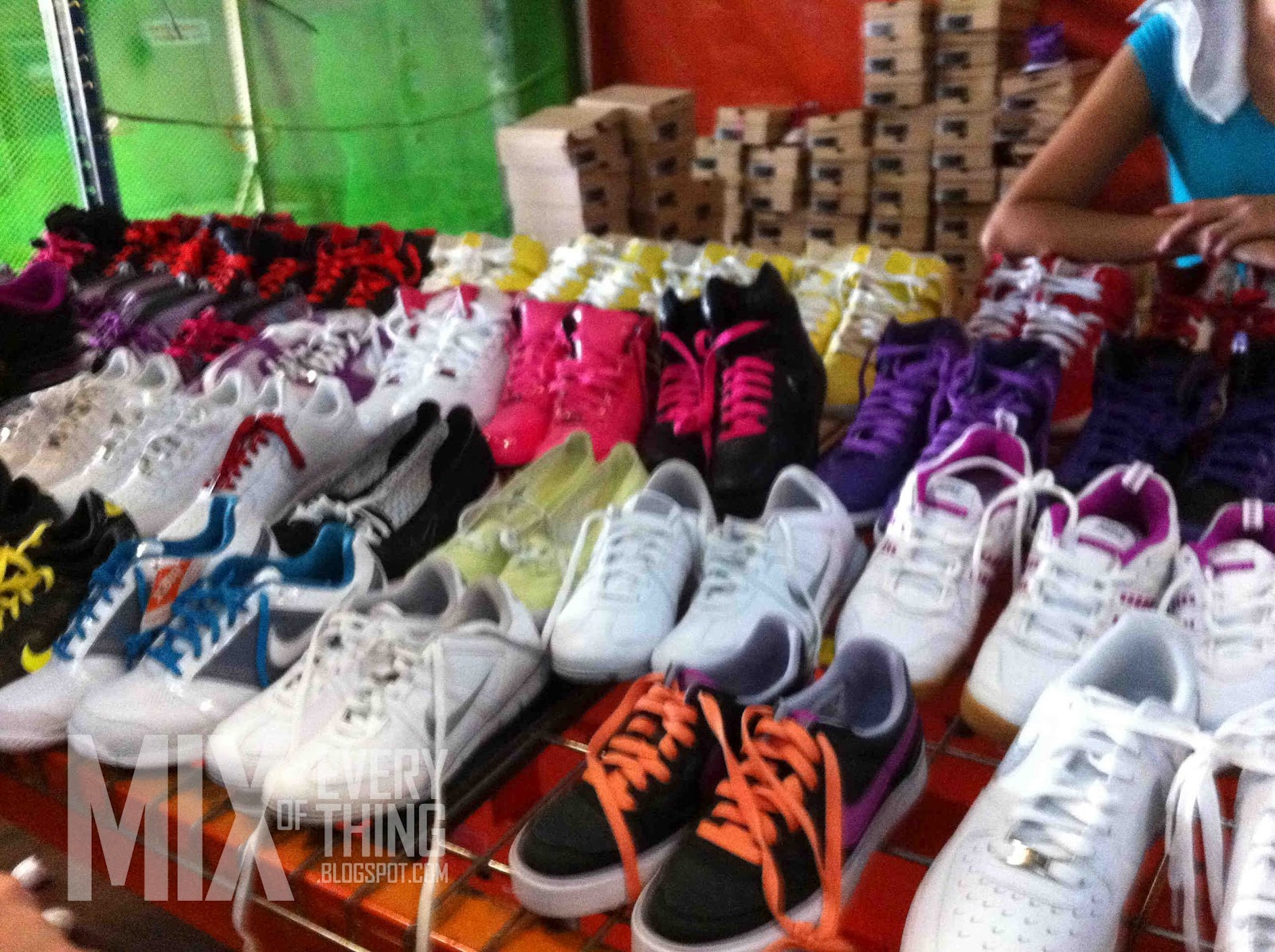 8360fcef206ea6 My Nike Warehouse Sale experience. - Hello! Welcome to my blog!