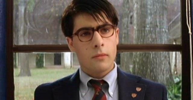 Rushmore è il nome del college in cui il quindicenne Max Fisher (un buffo  Jason Schwartzman) tenta di eccellere in ogni materia senza la minima  riuscita. 60496513c74