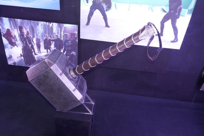Mjolnir Hammer prop Thor Dark World