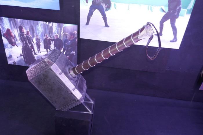 Mjolnir Hammer prop Thor Dark World