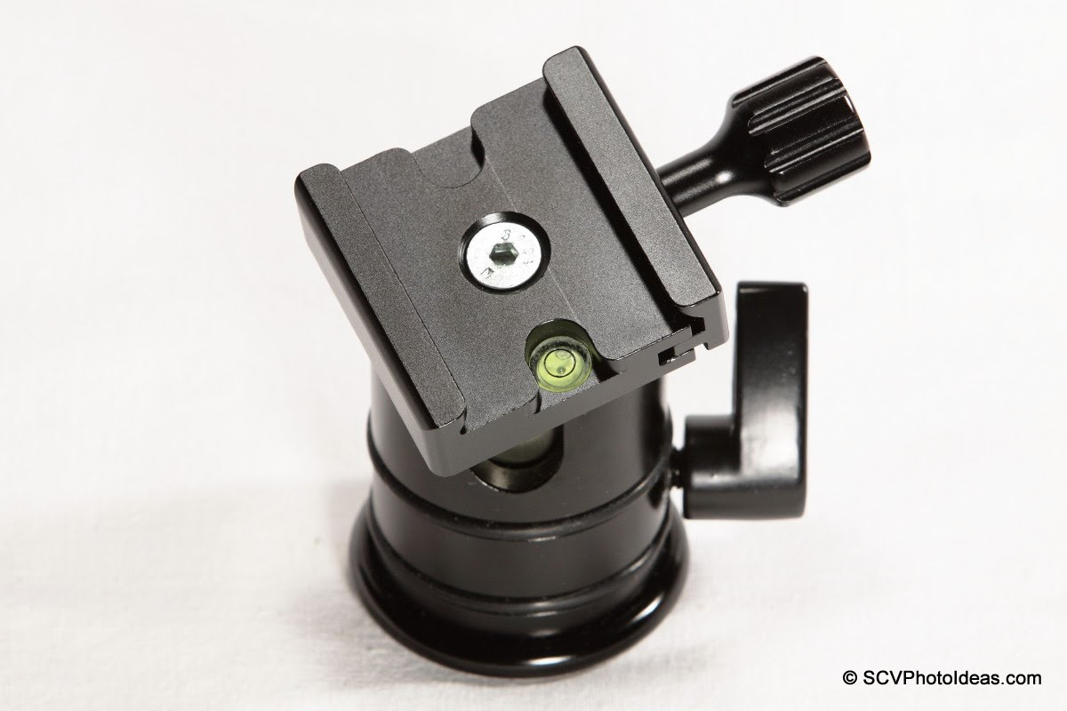 Desmond DAC-01 QR Clamp on Triopo RS-3 ball head