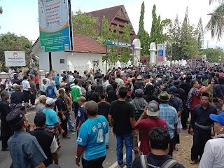 Unjukrasa menolak perubahan nama Bandara di Lombok