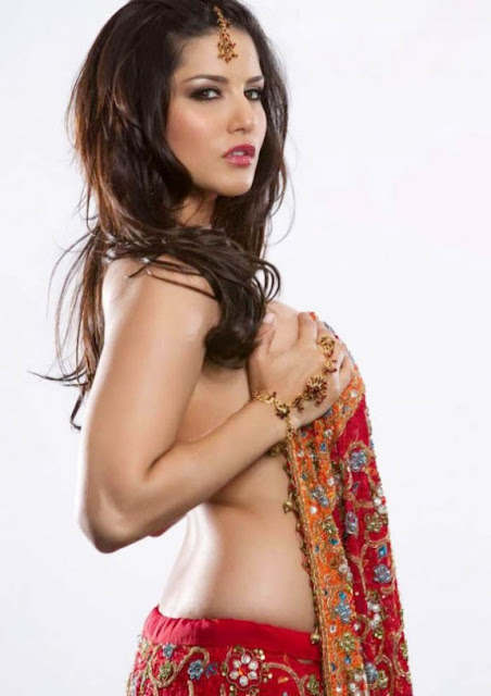 Bollywood Hot Babes Goes Topless