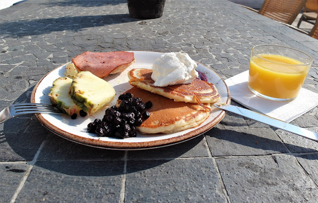 frukost på Ystad Saltsjöbad