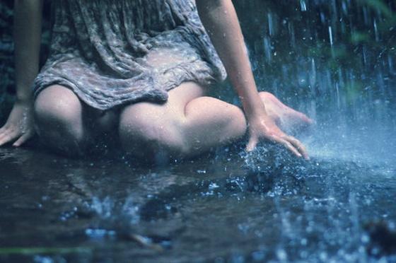 sad alone girl in rain quotes - photo #20