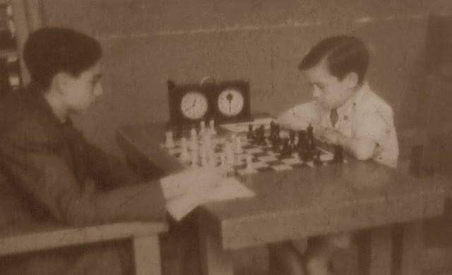 Campeonato Infantil de Ajedrez de Barcelona 1949, Jaume Anguera jugando con negras
