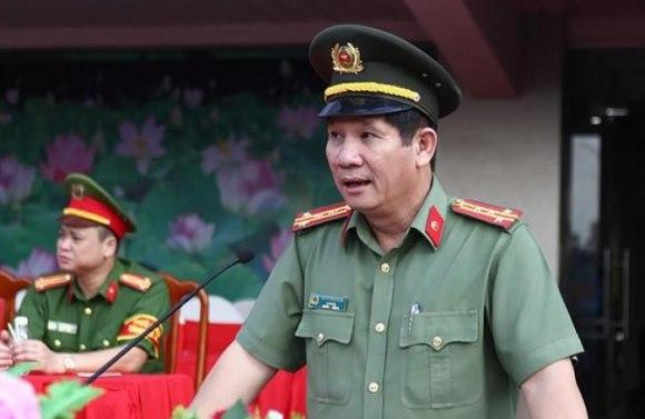 """Giám đốc Công an Đồng Nai bị cách chức có liên quan gì đến """"phe phái""""?"""