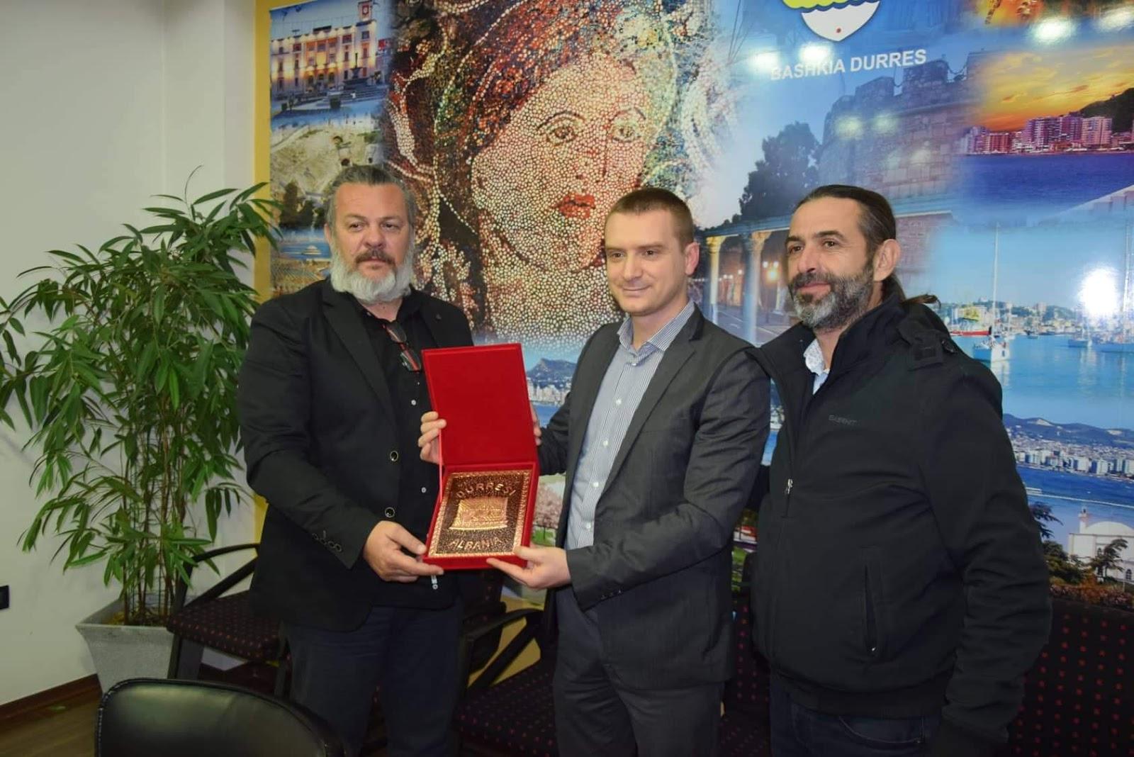 Ανθρωπιστική βοήθεια από την Κασσάνδρα στο Δήμο Δυρραχίου Αλβανίας.