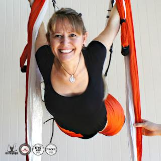 yoga, aeroyoga, aero yoga argentina, aero yoga chile, aerial yoga, profesorado, maestria, profesores, air yoga, columpio, swing, trapeze, cursos, formacion, instructores