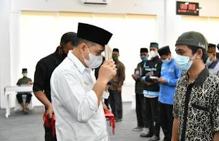 Bupati Batu Bara Terima Wakaf Alquran Dari Yayasan Amirul Ummah Malaysia