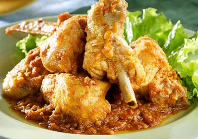 Membuat Hidangan Rendang Ayam Yang Lezat Untuk Keluarga Tercinta