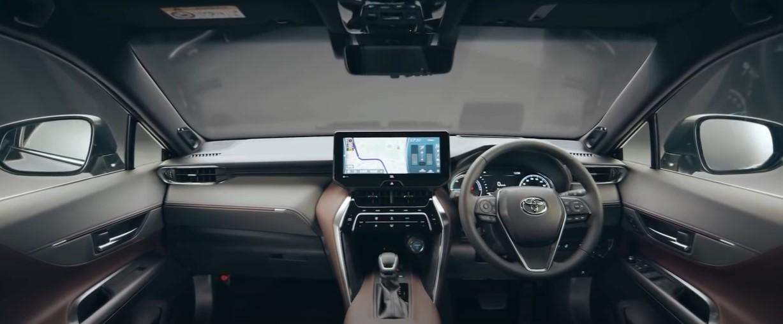 interior dasbor Toyota Harrier Terbaru