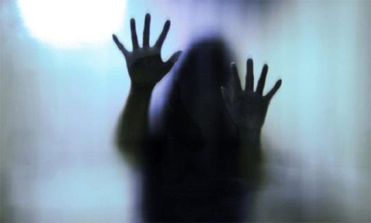 Resultado de imagem para Polícia prende pai suspeito de estuprar filha na companhia de irmãos dela