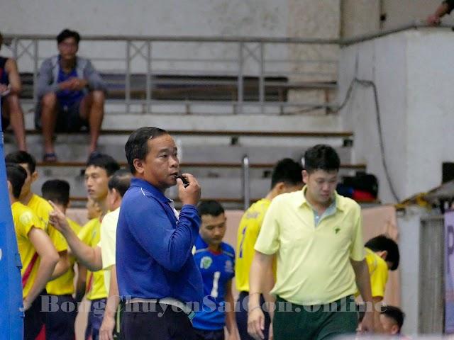 Thầy Trần Thanh Phong: Từ giáo viên trở thành trọng tài bóng chuyền QG