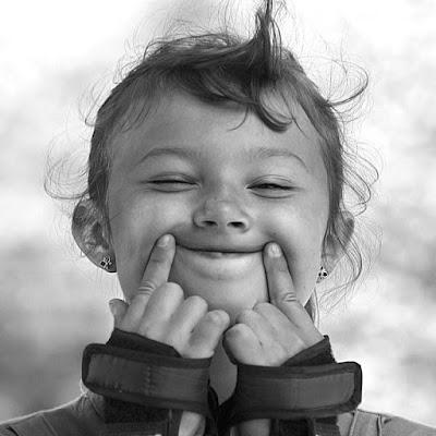 tersenyum.jpg