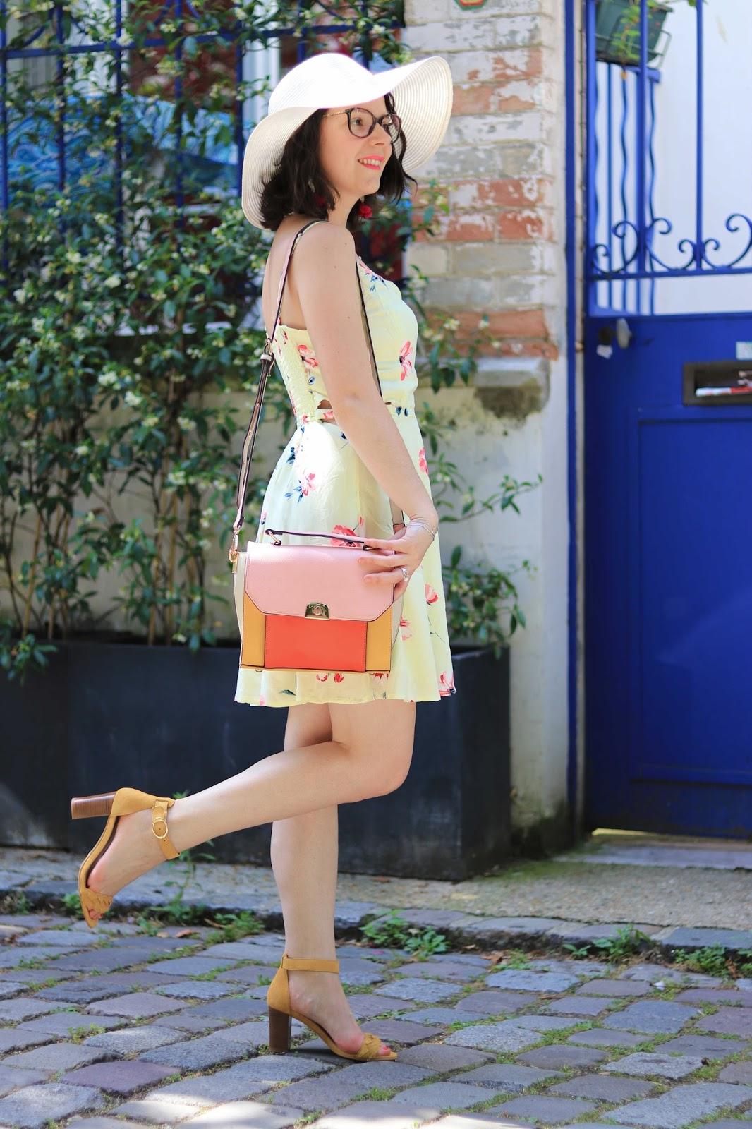 look mode les gommettes de melo gommette ambassadeurparly2 parly2 hollister 123 soldes poupee rousse robe été sélection mariage idee tenue bapteme plage jaune fleurs accessorize sandales
