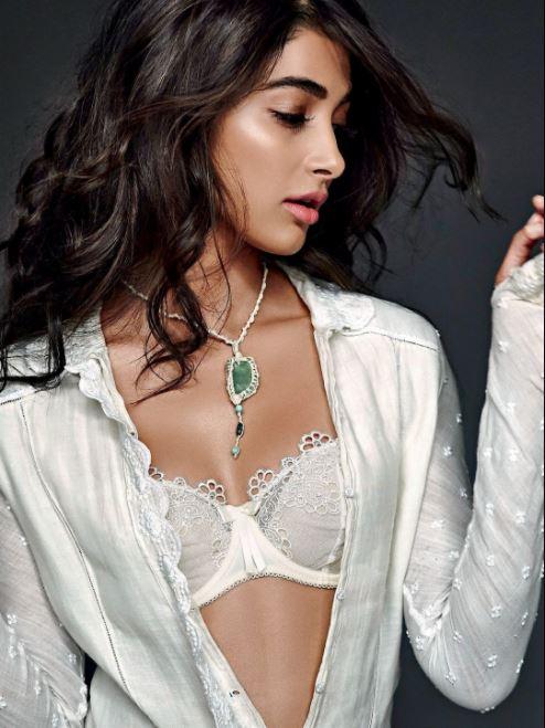 Pooja Hegde Bikini Wallpapers