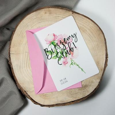 Zaproszenia na ślub z motywem kwiatowym od Wytwór ślubny.