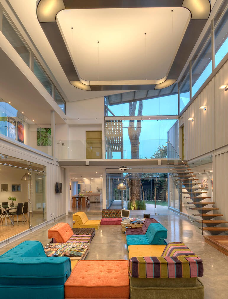 03-Living-Room-MJ-Trejos-Recycled-Shipping-Containers-Home-www-designstack-co