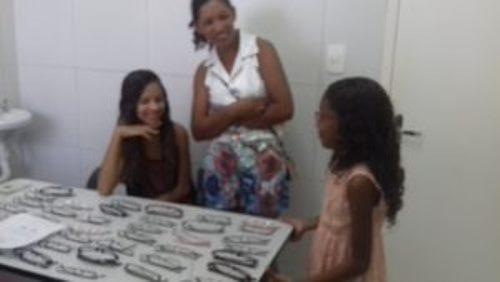 335e6d55f Na manhã desta terça-feira (28), cerca de 35 alunos da rede municipal do  bairro Jardim Vitória/Penha foram beneficiados com óculos de grau, ...