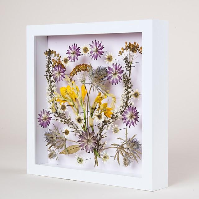 Διακοσμητικά τοίχου- κάδρα με αποξηραμένα λουλούδια