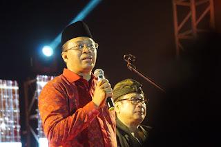 Gubernur dan Bupati Loteng Satu Panggung di Malam Puncak Festival Pesona Bau Nyale
