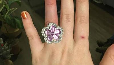 Cincin berlian pertunangan