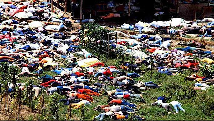 Pode algo ser tão contrário a Deus? Foto suicidio coletivo de colonia 'autossustentável' em Jonestown, Guiana, 1978