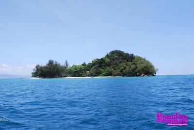 pulau kecil