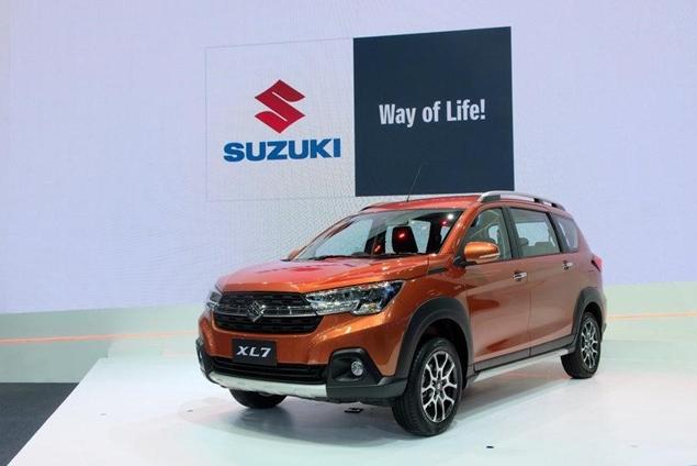 Mobil Suzuki XL7