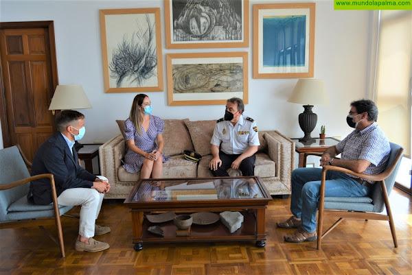 El Cabildo agradece la labor del inspector jefe de la Policía Nacional en La Palma