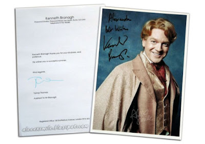 """Autograf aktora - Kennetha Branagha, który wcielił się w postać profesora Gilderoya Lockharta w drugiej części """"Harry'ego Pottera""""."""