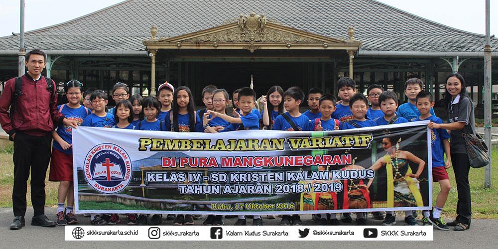 Siswa Kelas 4 SD Kalam Kudus Belajar di Puro Mangkunegaran