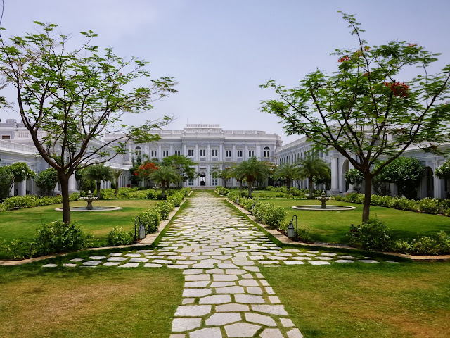 Falaknuma Palace Hyderabad Images: interior courtyard