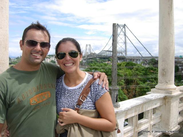 a Ponte Hercílio Luz, cartão postal de Florianópolis